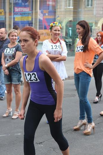 забег на шпильках Харьков украина 2014 #ModnaKraina