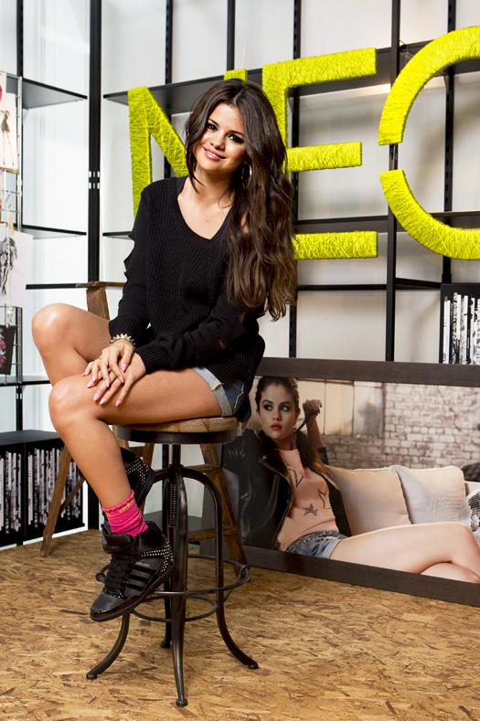 Selena Gomez сотрудничество с Adidas