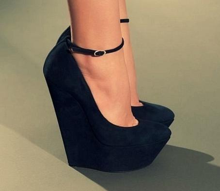 туфли на танкетке, нелюбимая обувь мужчин, новости моды 2014